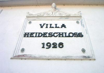 Villa-Heideschloss-Schild