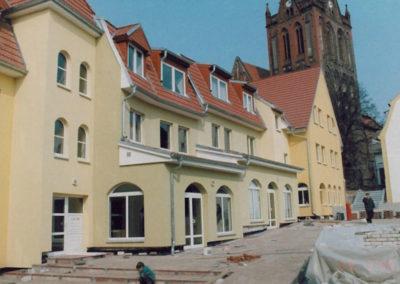Läden und Tiefgarage Neubau im Zentrum von Bad Freienwalde - Architekt Reinhard D. Schulz